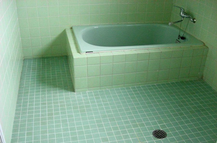 在来工法の浴室の例